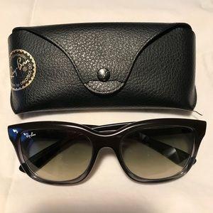Ray-Ban New Wayfarer sunglasses black gradient